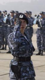 Hình nền nữ quân nhân xinh đẹp 10