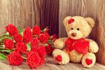 Bộ ảnh valentine 14 2 với những bó hồng kèm hộp quà cực chất số 32