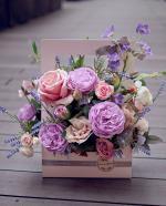 Mẫu cắm hộp hoa sinh nhật đẹp mê mẩn cho bạn tham khảo - 11