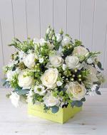 Mẫu cắm hộp hoa sinh nhật đẹp mê mẩn cho bạn tham khảo - 12