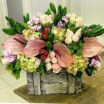 Mẫu cắm hộp hoa sinh nhật đẹp mê mẩn cho bạn tham khảo - 14
