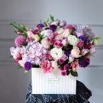 Mẫu cắm hộp hoa sinh nhật đẹp mê mẩn cho bạn tham khảo - 16