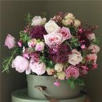 Mẫu cắm hộp hoa sinh nhật đẹp mê mẩn cho bạn tham khảo - 7