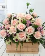 Mẫu cắm hộp hoa sinh nhật đẹp mê mẩn cho bạn tham khảo - 9