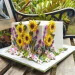 Top bánh sinh nhật hoa đẹp, ý nghĩa gửi tặng những người thân yêu -7