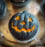 Trang trí bánh cupcake halloween bí ngô